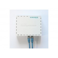 MikroTik RouterBOARD hEX RB750Gr3 - Router - conmutador de 4 puertos - GigE