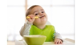 Tips y productos para que el niño aprenda a comer solo