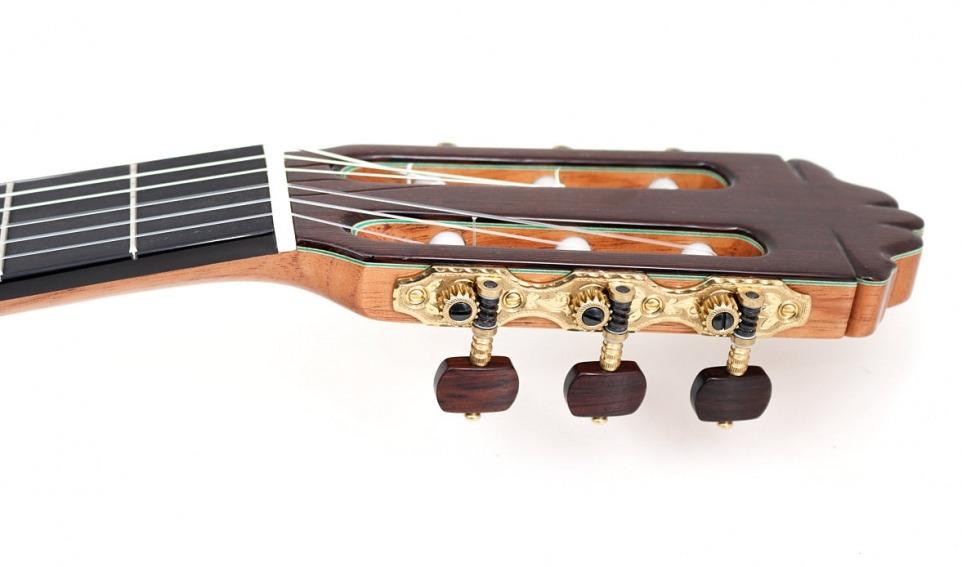 Paulino Bernabe Model 20 - cedar