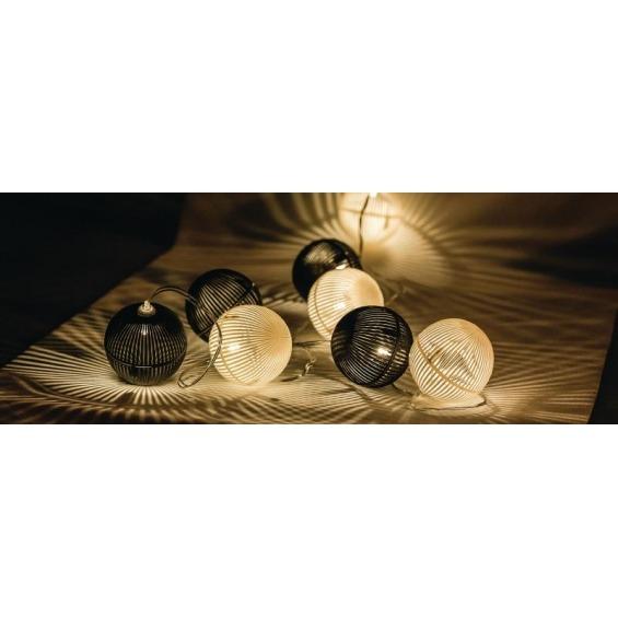 Tira de luces LED con 10 bolas blancas y negras