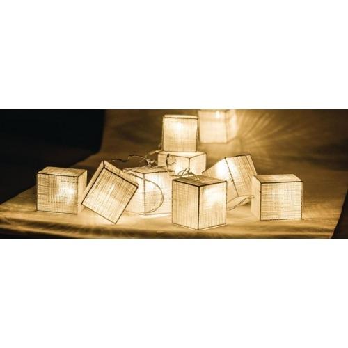 Tira de luces LED con 10 cuadraditos de madera
