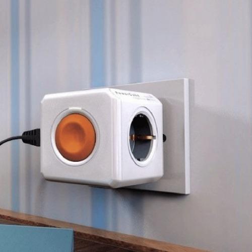 Toma enchufes PowerCube de 4 conexiones con interruptor remoto